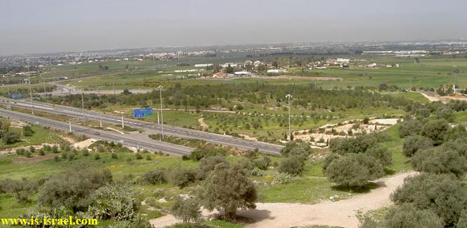 Вид с обзорной площадки Тель Хадид