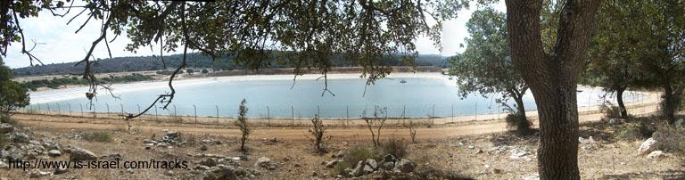 Вид на водохранилище и заповедник Ципри