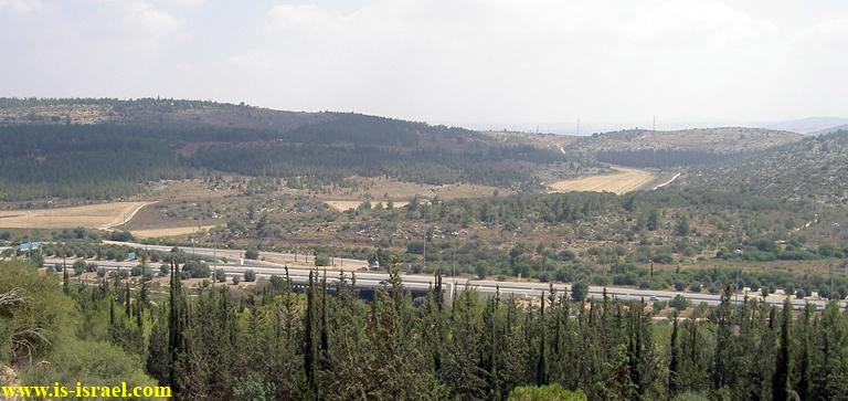 Вид на дорогу №38 и заповедник Масрек