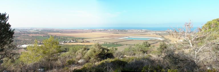 Вид с заповедника Хар ха-Кармель на прибрежную полосу и Средиземное море