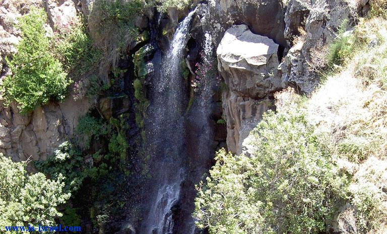 Верхушка водопада Джелабун