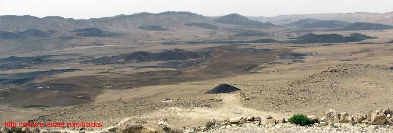 Вид на Махтеш (кратер) Рамон