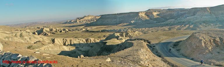 Вид с Мидрешет Бен Гурион на Национальный парк Ган ха-Псалим